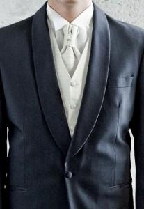 svatební šaty pro ženicha
